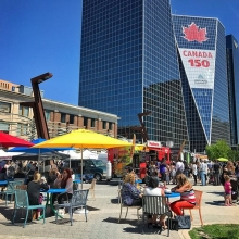 YES, THERE WILL BE A MARKET ON CANADA DAY! 🇨🇦🇨🇦🇨🇦 Market is on during regular hours (9am-1pm). Then, stay downtown and enjoy a whole day of #Canada150 events by @reginadowntownbid! « » Visit our website (link in profile) for more detai