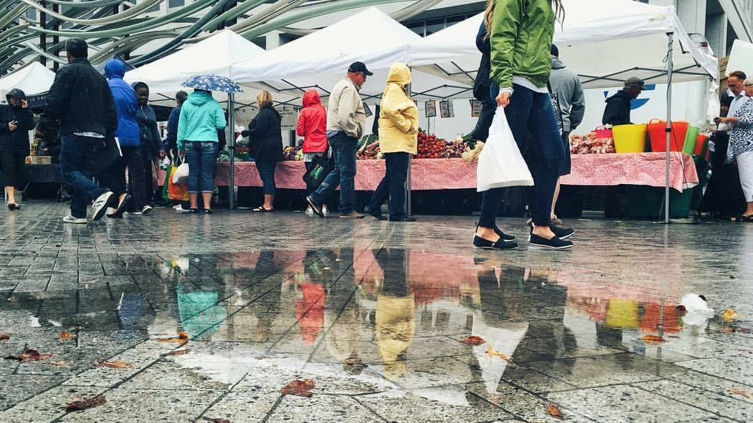 Outdoor Farmers' Market - Image 2
